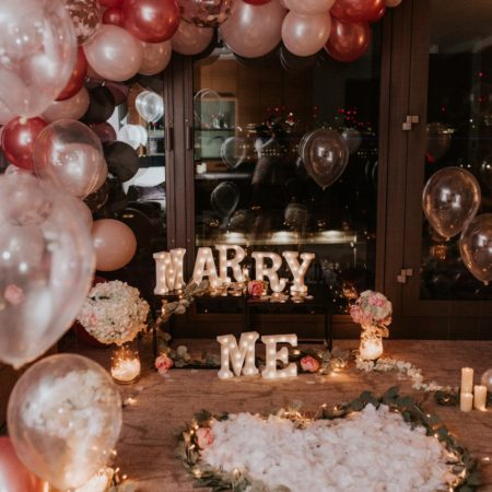 balloon proposal room decor